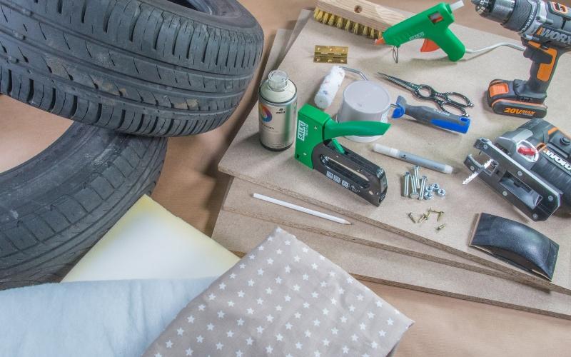 Herramientas para el baúl con neumáticos