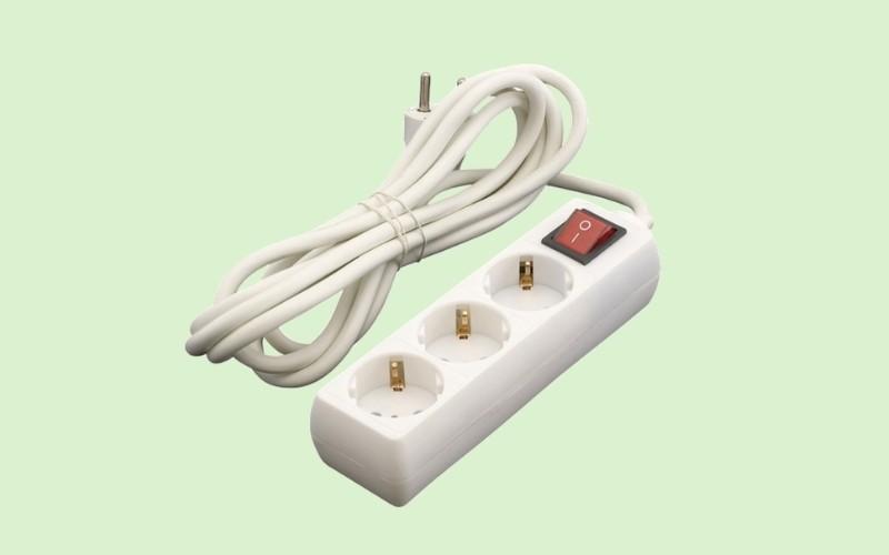 Utiliza bases múltiples de enchufes de encendido y apagado