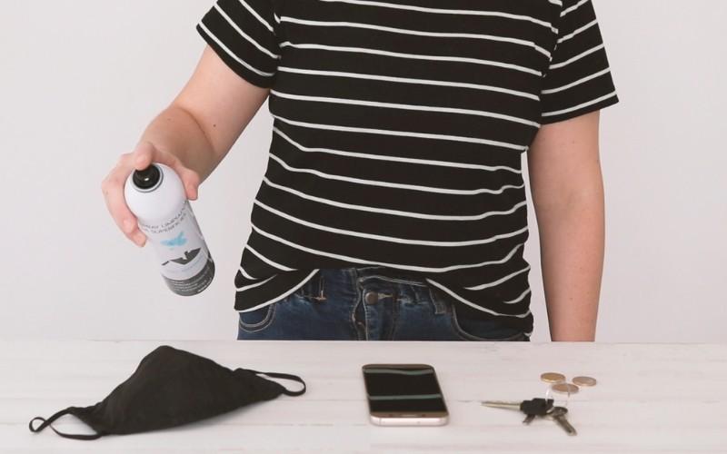 Aplica el spray sobre los objetos