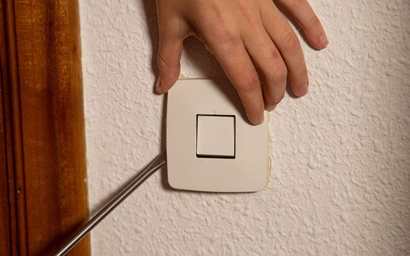 Haz palanca para retirar la placa base