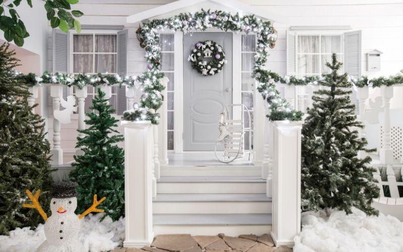 Porche decorado para Navidad