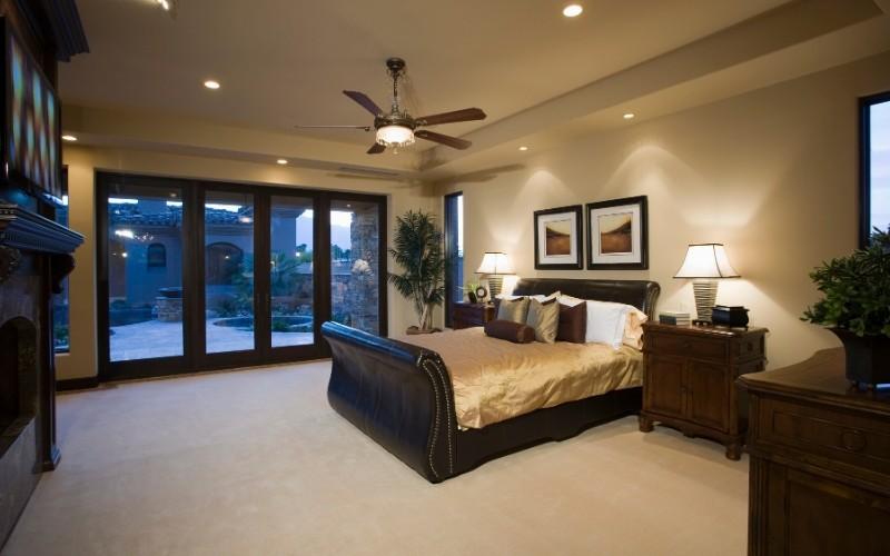 Ventilador de techo en habitación