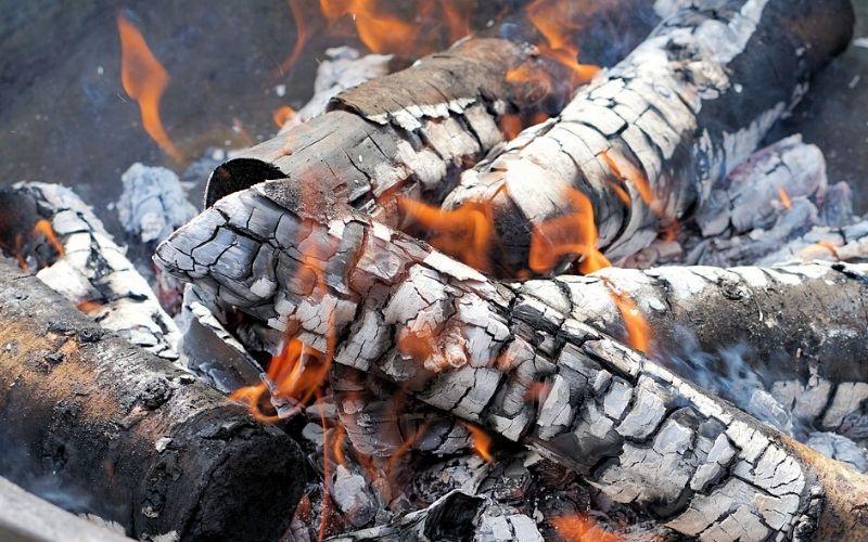 Aprovecha las brasas del fuego
