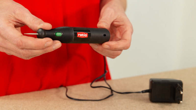 Grabar cristal o metal con el kit mini herramienta de grabado de RATIO