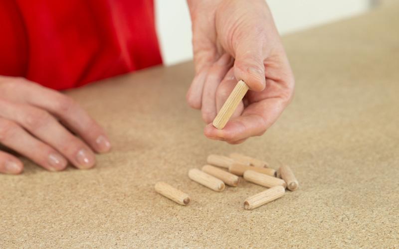 Tacos de madera como clavijas