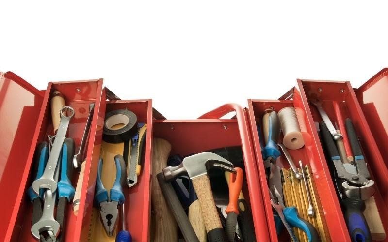 Ordena tus herramientas en una caja