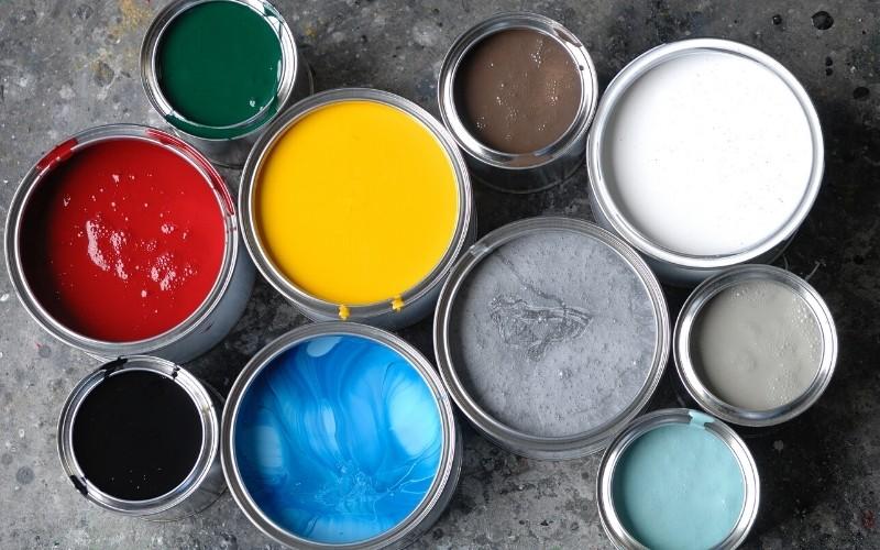 Acondiciona el espacio para organizar herramientas y pinturas