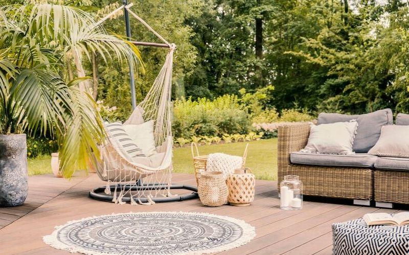 Ancla tus muebles de exterior al suelo para evitar daños