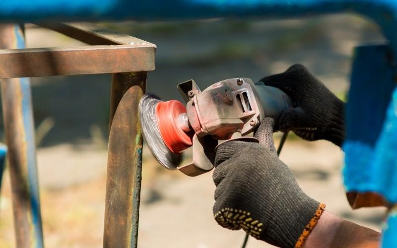 Elimina el óxido con herramientas eléctricas