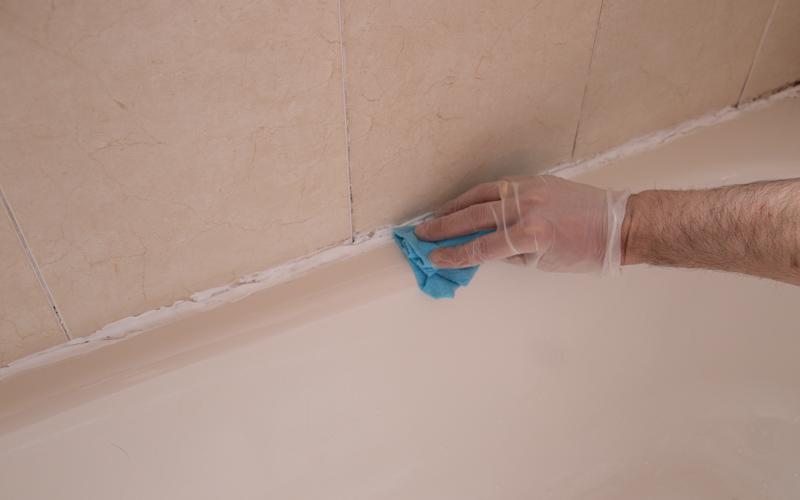 Limpia la superficie con un paño