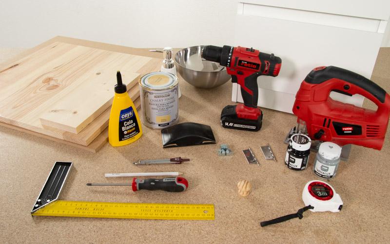 Herramientas para hacer la cocinita de juguete