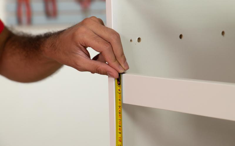 Toma las medidas para la puerta del horno