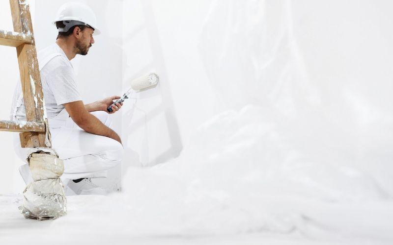 Pinta la zona de la masilla de la pared