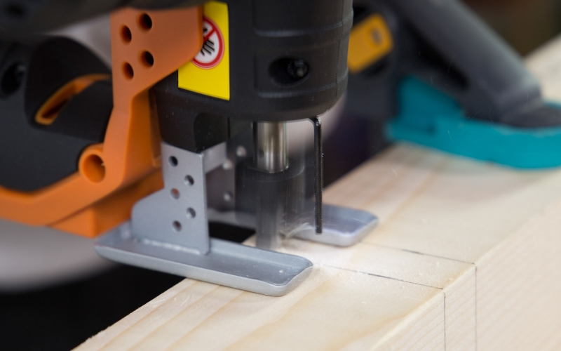 Corta los listones de madera