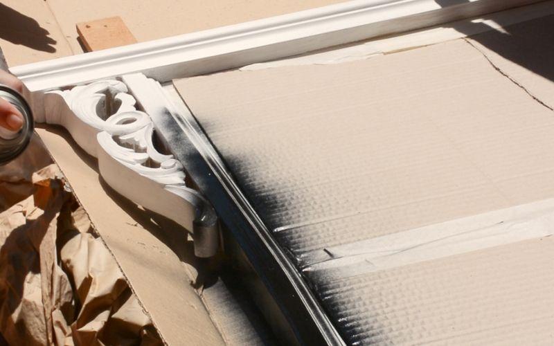 Coloca el papel protector para proteger el mueble