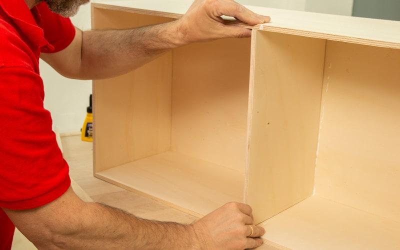 Coloca los separadores en la estructura