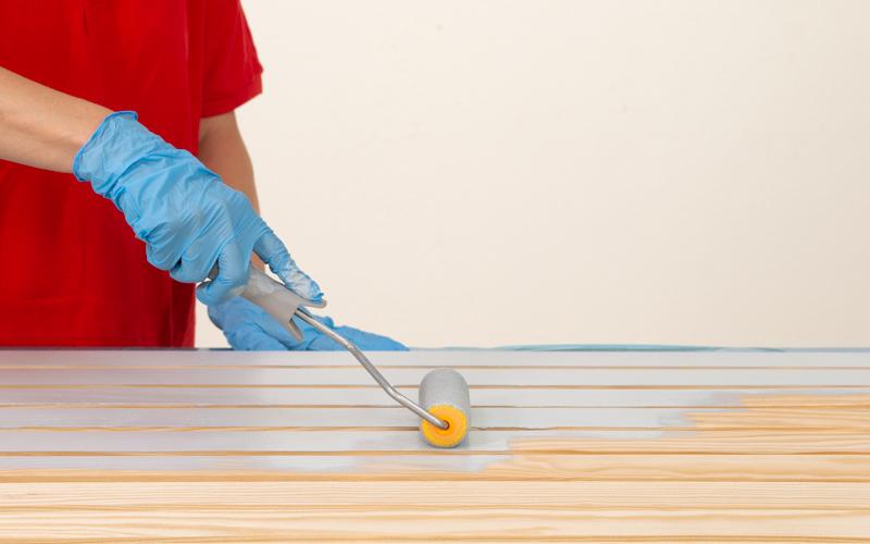 Pinta la madera del panel de herramientas
