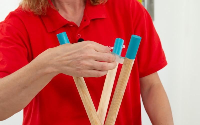 Retira la cinta de carrocero cuando se haya secado la pintura