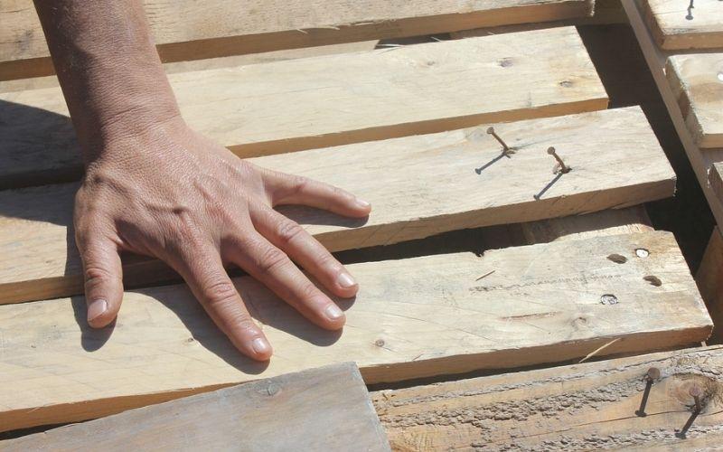 Cuida los cantos de la madera