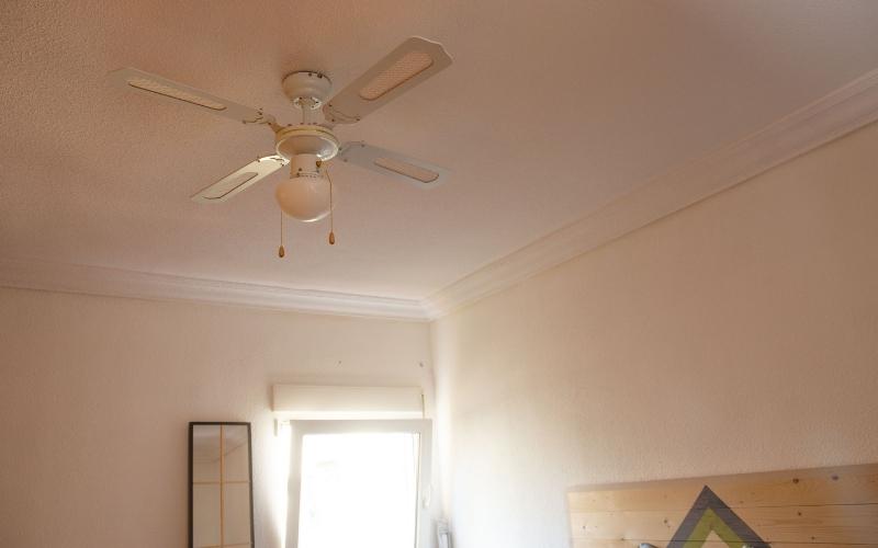 Comprueba los tiradores del ventilador de techo