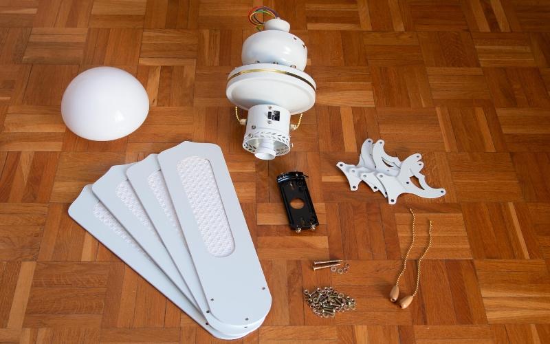 Ventilador de techo Habitex e interior de su caja