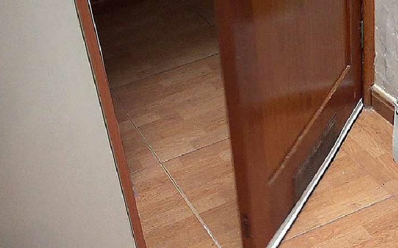 Cómo aislar puertas para ahorrar energía 1