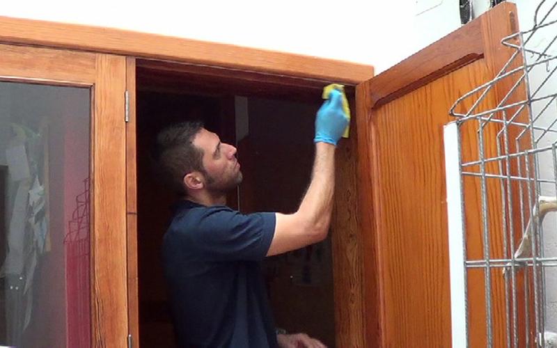 Cómo aislar puertas para ahorrar energía 2