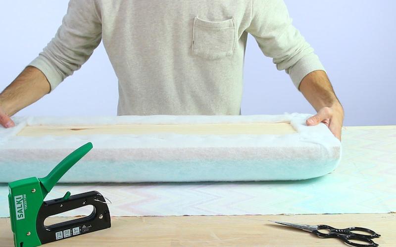 Cómo hacer un banco tapizado para recibidor o dormitorio 5