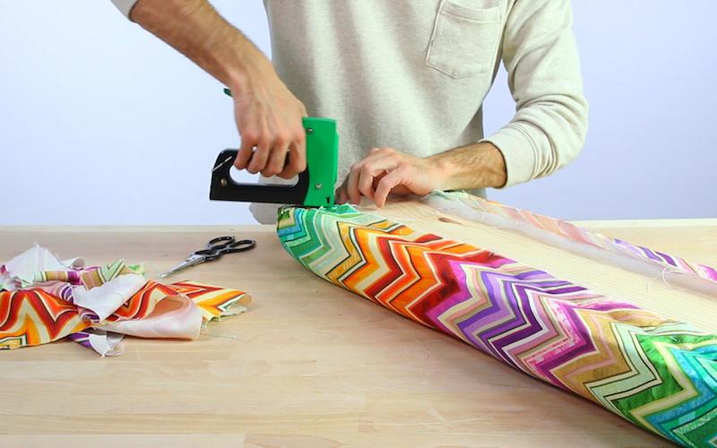Cómo hacer un banco tapizado para recibidor o dormitorio 6