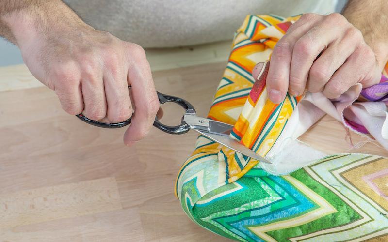 Cómo hacer un banco tapizado para recibidor o dormitorio 7