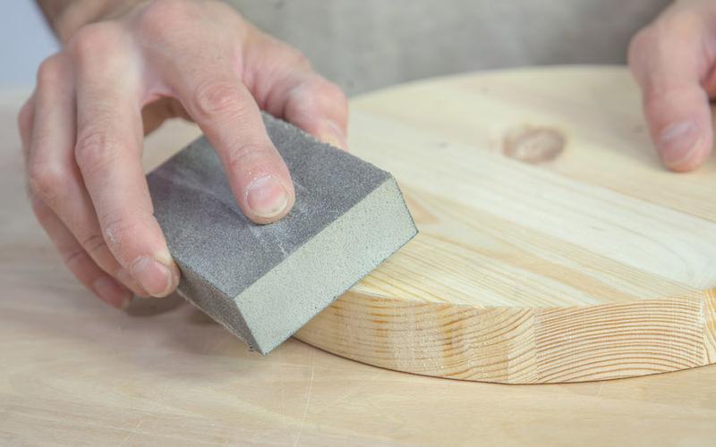 Cómo hacer un espejo de pared con un cinturón paso 3