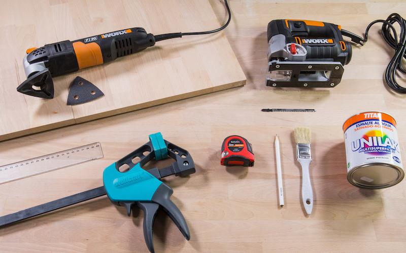 Materiales y herramientas para un revistero de madera
