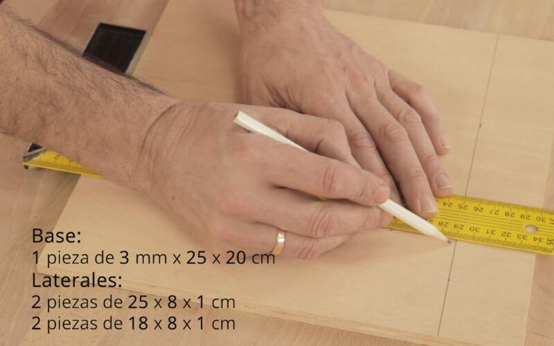 Medidas base y laterales de la caja de infusiones