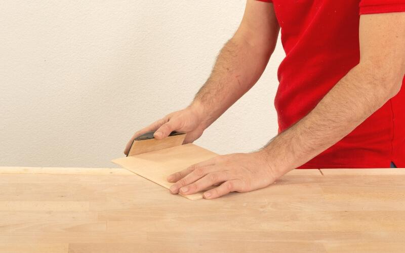 Lijar bordes de la madera de la caja