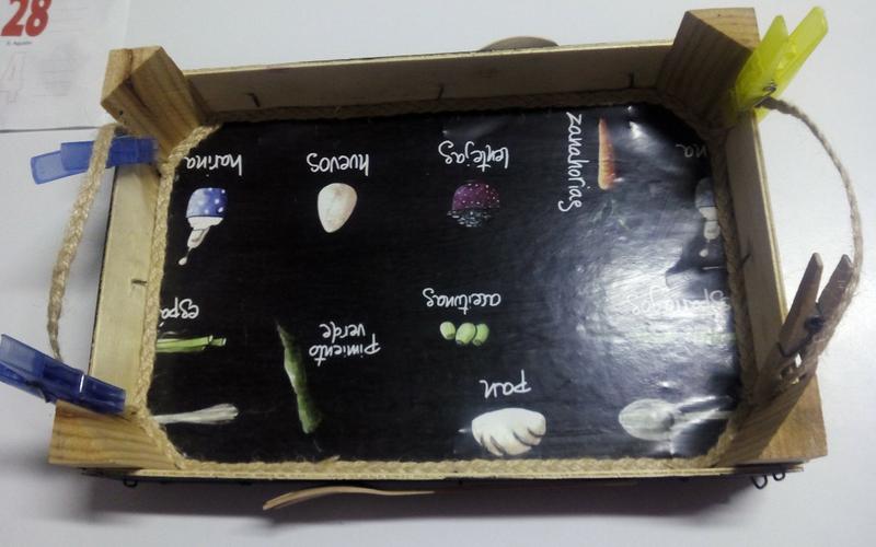 bandeja con una caja de frutas DIY paso 4
